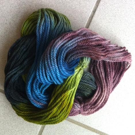 Rapsodi i grå, blå, grøn og blomme