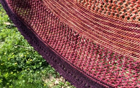 """Sektioner i forskellige teknikker og farver gør """"Jujuy"""" til et interessant strikketøj"""