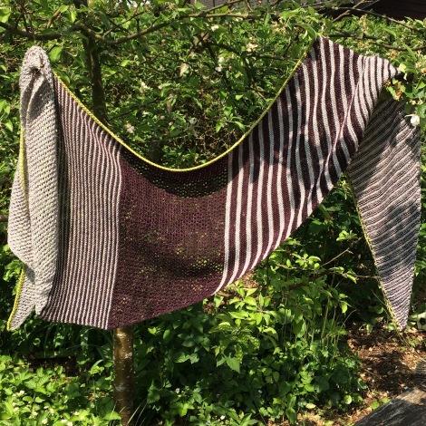 Ryhule-sjalet er ca 2 meter langt og 50 cm højt